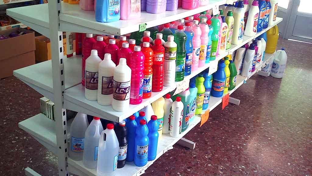 Murales y gondolas L1 para perfumería