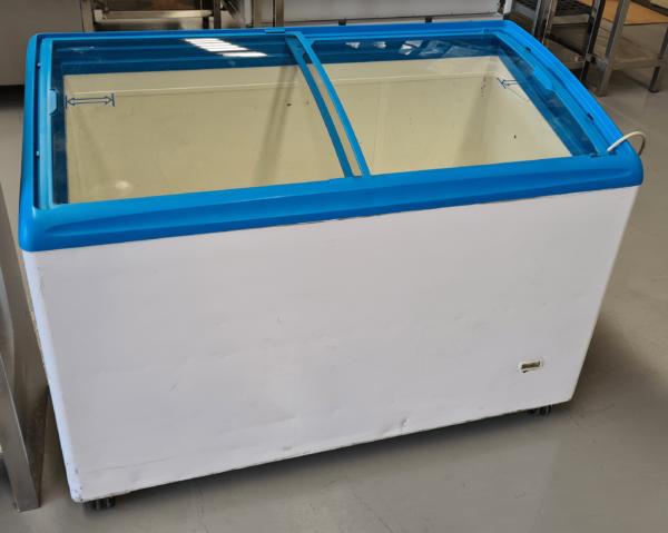 Congelador cristal inclinado