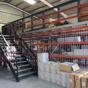 Pasillos elevados sistema de almacenaje